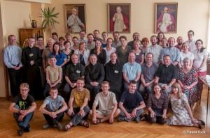 """Uczestnicy III Warsztatów Chorału Gregoriańskiego """"Canto Gregoriano"""" , lipiec 2013, Łódź"""